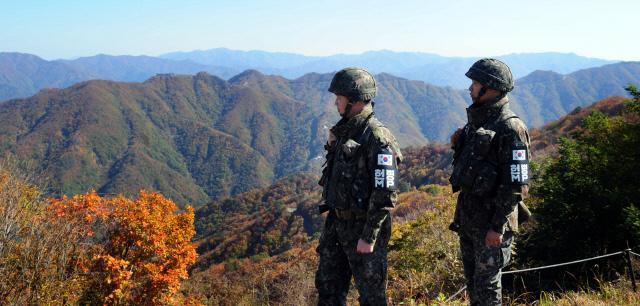 육군7사단의 임무 수행 지역은 전군에서 가장 험준한 지형으로 평가받고 있다. 장병들이 대적 경계에 만전을 기하고 있다.  국방일보 DB