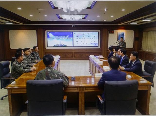 회의실로도 사용하는 육군본부 안중근 장군실.