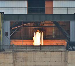 """美관리 """"北 로켓엔진 발사 시험…ICBM용 가장 작은 엔진 가능성"""""""