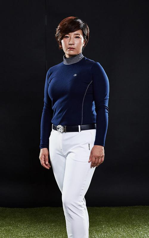 한국 여자골프의 전설' 박세리가 골프웨어 아바쿠스와 함께 '세리라인' 출시를 앞두고 사진과 영상을 촬영했다.  사진은 박세리의 '세리라인' 촬영 모습. 아바쿠스 제공