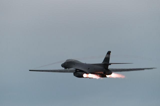'죽음의 백조' B-1B전략폭격기.