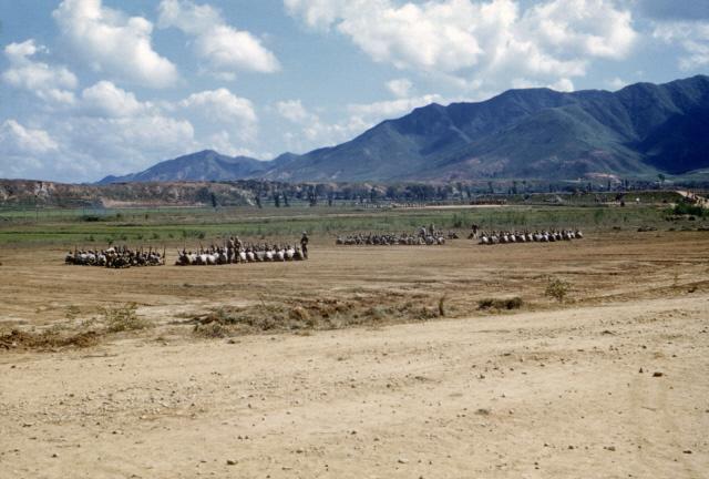 육군 훈련병들이 논산 연무대에서 훈련받는 모습.
