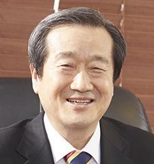 김 재 홍 서울디지털대 총장·공익사단법인 정 이사장