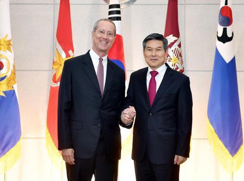 정경두 국방부장관, 손베리 美하원 군사위원장 면담…한반도 비핵화·평화 지지당부