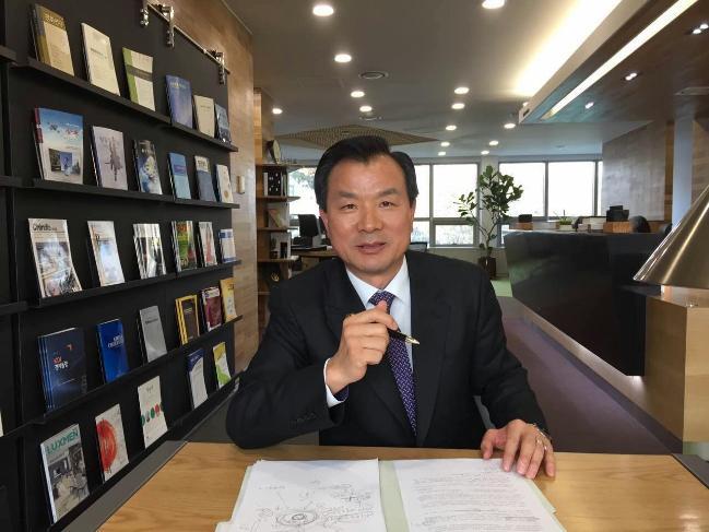 이창형 정치학박사  한국국방연구원  안보전략연구센터