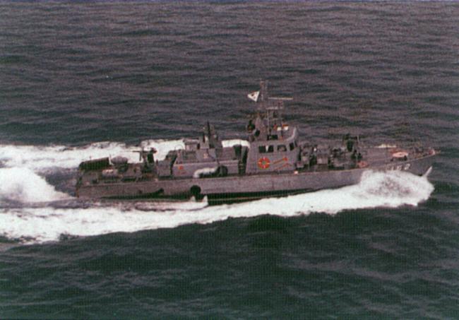항해 중인 학생호.