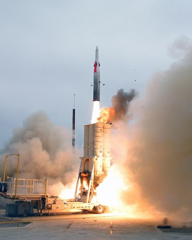 Test Launching of Israel's Arrow 3 Missile * 출처 : U.S Navy