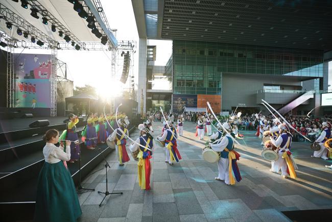 지난해 국립중앙박물관에서 추석 문화행사로 진행한 남사당놀이 공연 모습.