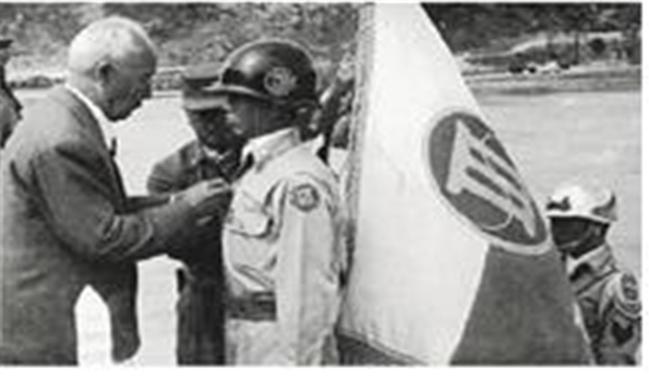 1950년 10월 16일 육군3군단 창설식 모습.