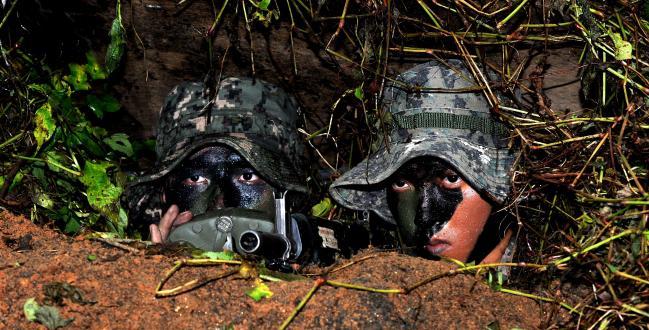 육군9사단 적지종심작전팀 장병들이 실전상황에 준하는 훈련을 하고 있다.