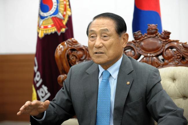 호국보훈의 의미와 한미동맹의 중요성에 대해 설명하는 김진호 향군회장.  향군 제공