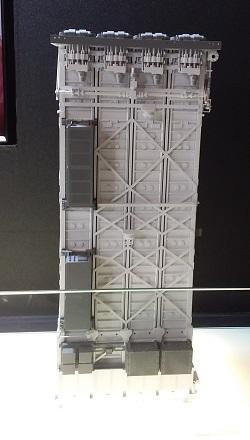 한화시스템이 선보인 한국형 수직발사체계(KVLS·Korean Vertical Launching System)-Ⅱ. 한국형 표준 수직발사대로서 다종의 미사일을 함정 내부에 탑재해 수직으로 발사한다.