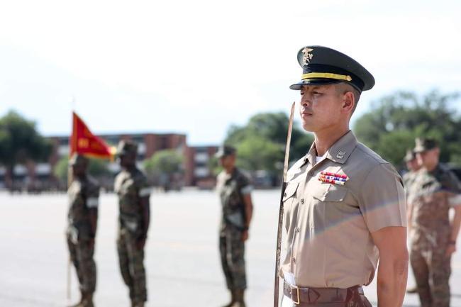 해병대 김혁 상사가 미국 사우스캐롤라이나주 패리스 아일랜드 훈련소에서 미 해병대 DI 교육을 받고 있다.  Marine Corps Recruit Depot Parris Island, S.C. 제공